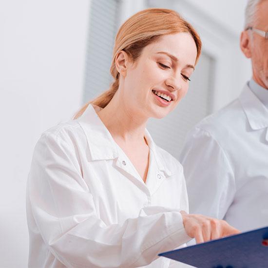 Consulta médica oncológica servicio FEFOC